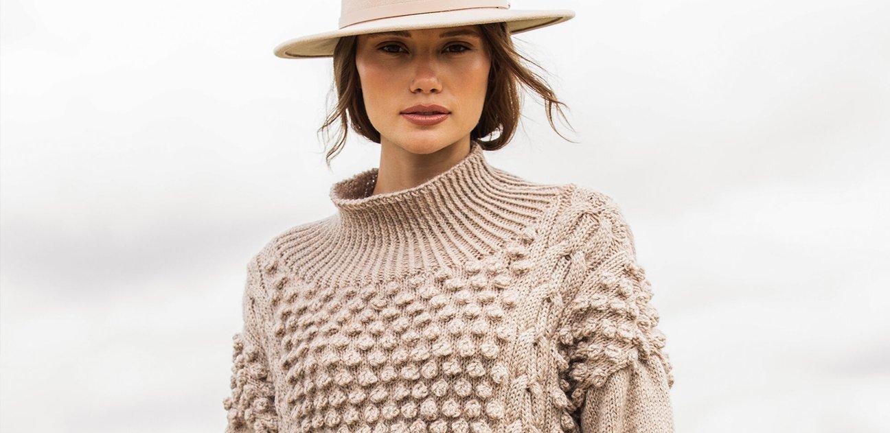 Фото для материала: Вяжем свитер с шишечками