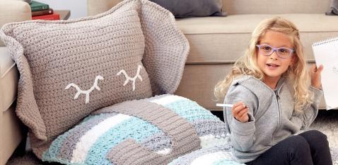 Вязаная подушка-игрушка Слоник и Лев - схема