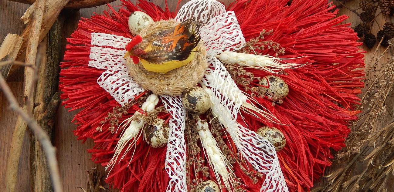 Фото для материала: Пасхальный веночек для декора интерьера