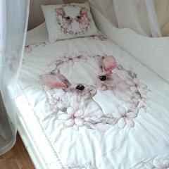 фото Комплект в детскую кроватку для девочк