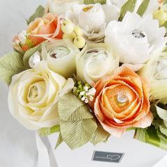 изображение Букет из конфет с розами и герберами