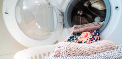Как стирать вязаные вещи ручной работы
