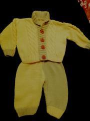 фото Вязаный костюмчик на вашего малыша