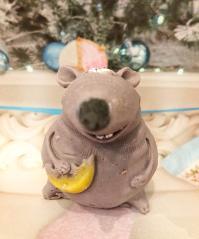 фотография Толстая мышка с сыром символ 2020 МЫЛО