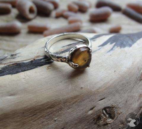 Кольцо из серебра и белемнита