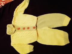 изображение Вязаный костюмчик на вашего малыша