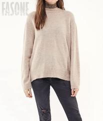 картинка Женский свитер бежевый с бантом